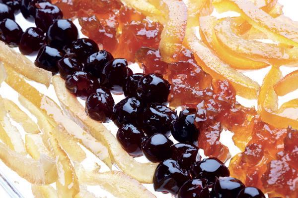 Frutta candita e uvetta